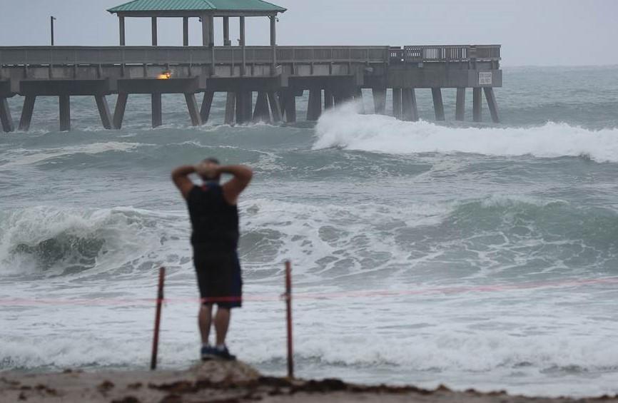 Isaias storm Florida